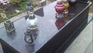 Style europeo Polished Granite Monument Tombstone de Black Galaxy